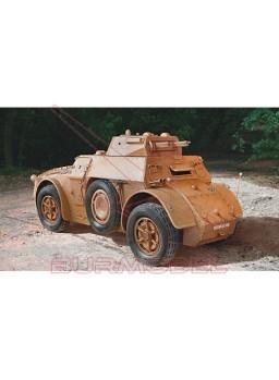 Maqueta vehículo blindado AB 40 1/35
