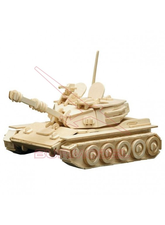 Construcción madera para montar tanque militar