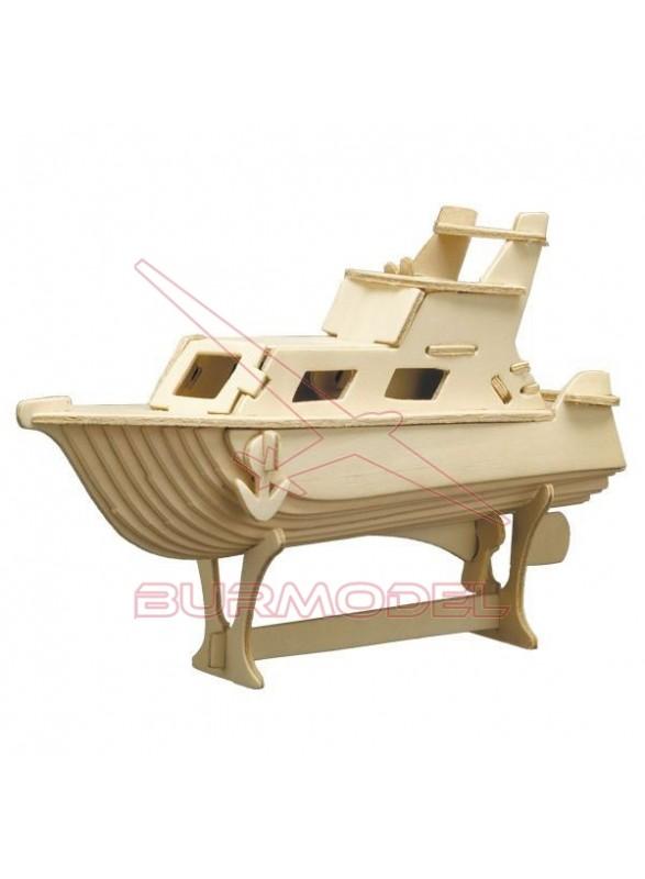 Barco de madera para montar