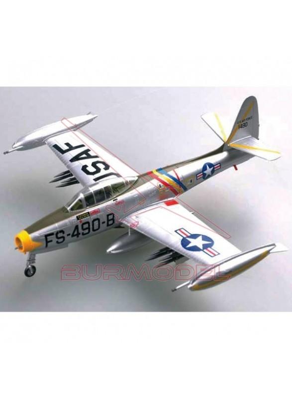 "Maqueta F-84E ""Thunderjet"" 1:72 . Avión plateado"