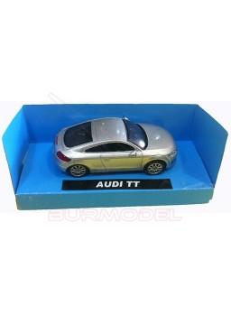 Maqueta montada Audi TT color plateado. 1:43