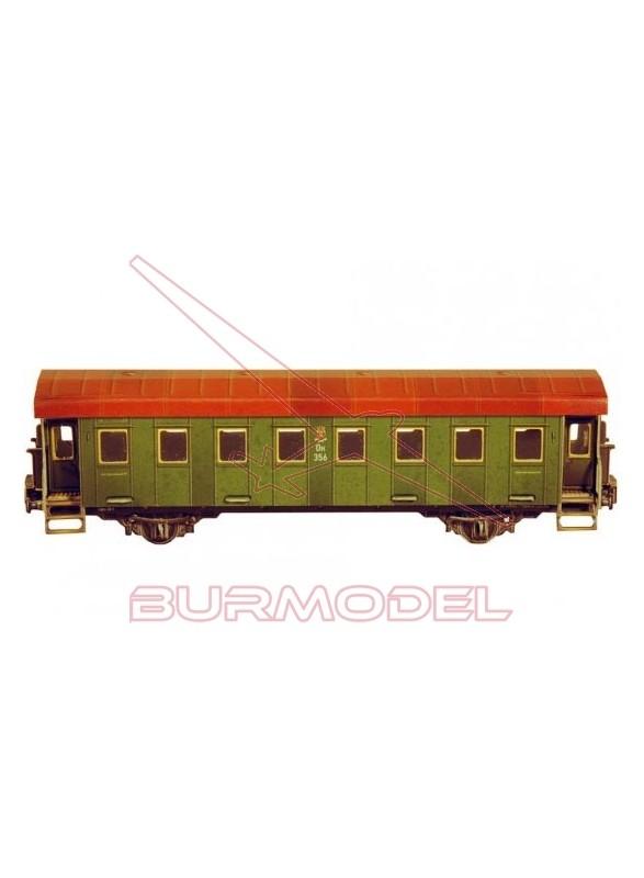 Maqueta vagón de pasajeros de dos ejes.