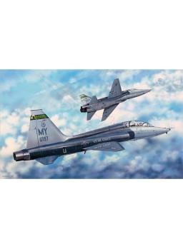 Maqueta avión Trumpeter US T-38C Talon II 1:48