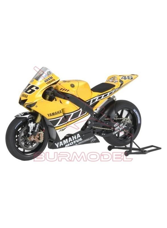 "Maqueta moto YAMAHA YZR-M1'05 ""50 ANIVERSARIO"""