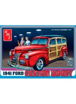 Maqueta Ford Custom Woody 1941. Escala 1/25