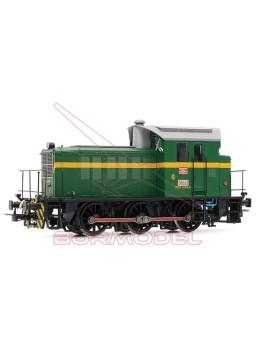 Locomotora diesel RENFE 303.035 verde y amarillo