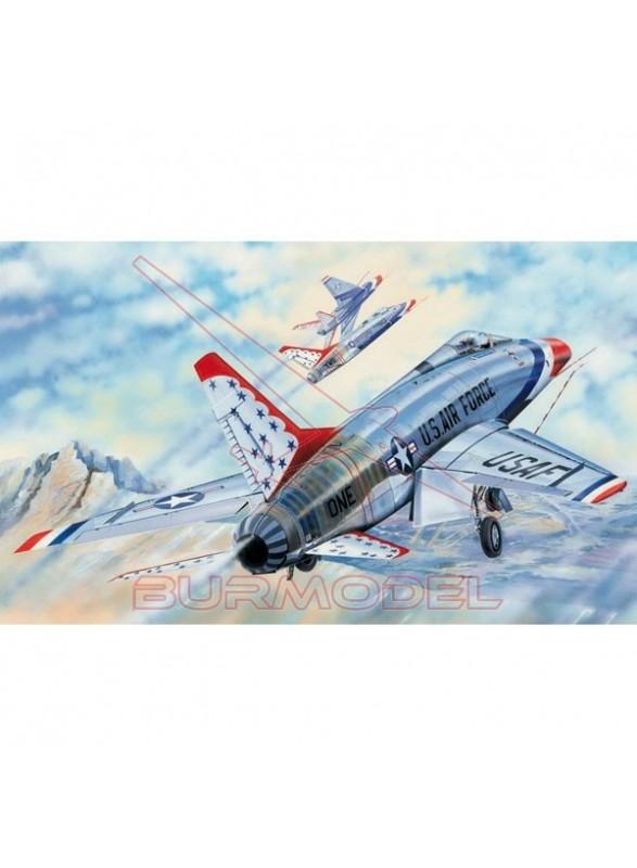 Maqueta avión THUNDERBIRDS 1:32