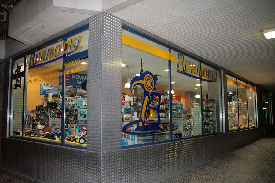 Foto fachada principal de Burmodel
