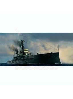 HMS Dreadnought 1907. Maqueta trumpeter 1:700