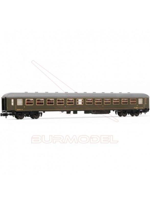 Coche de viajeros 2ª, BB8799 RENFE