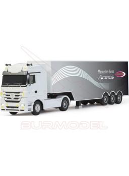 Camión RC Mercedes Actros con luz y sonido 1:32