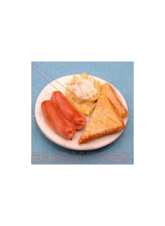 Salchichas, sandwich y salsas